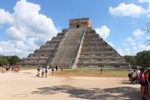 Chichen Itza, visitors and stairs